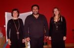 Οι τρεις παραμυθάδες μετά την επιτυχημένη παράσταση.