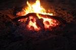 Βραδιά αφήγησης και η φωτιά στην ευγενή της μορφή, αυτή της εστίας.