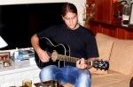 ...και τον Λεωνίδα που έπαιζε κιθάρα (πάλι flashback τρελό σε άλλες εποχές).